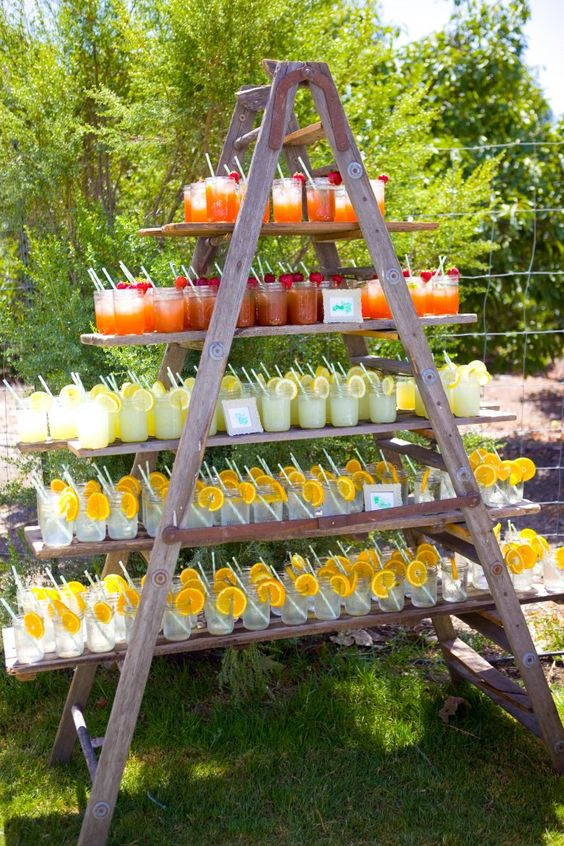 Drinks ladder on the way to the ceremony: