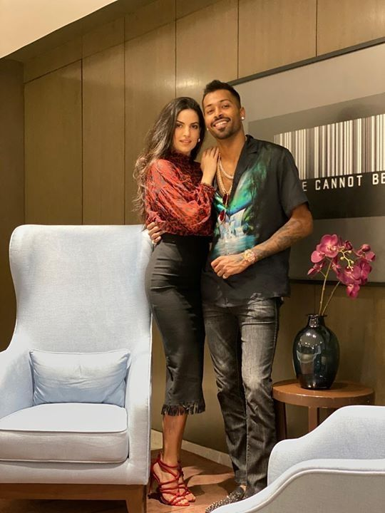 Hardik Pandya With His Valentine Natasa Stankovic In 2020 Kylie Jenner Outfits Casual Bollywood Celebrities Kylie Jenner Outfits
