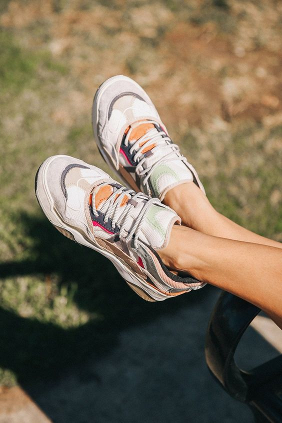 Vans Varix WC Sneaker | Urban Outfitters