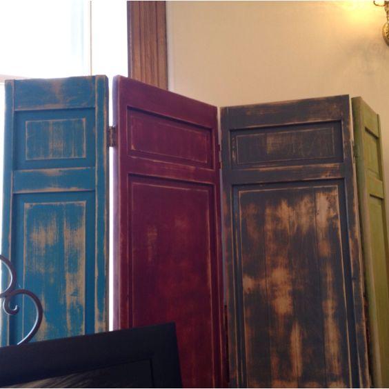 Old doors as privacy screens crafts diy pinterest for Indoor screen door