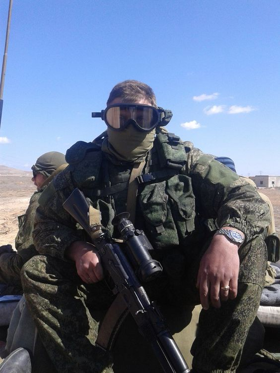 Russian soldier in eastern Homs Syria [8101080]