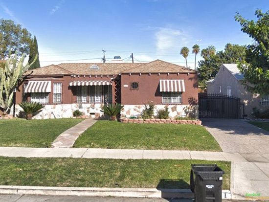 551 W 115th St Los Angeles Ca 90044 Zillow Zillow Los Angeles Home And Family