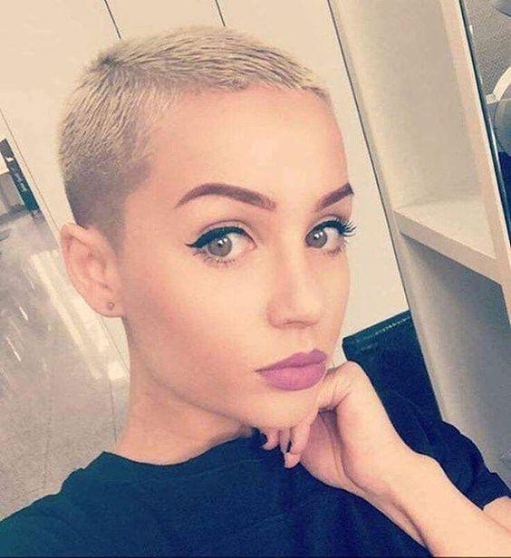 Für Frauen mit Mut: 10 coole rasierte Kurzhaarfrisuren … Traust Du Dich eine solche Frisur zu tragen? - Neue Frisur