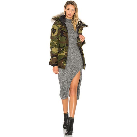 Canada Goose Montebello Coyote Fur Parka ($800) ❤ liked on Polyvore featuring outerwear, coats, coats & jackets, hooded coat, white coat, coyote fur parka, coyote fur coat and white hooded coat