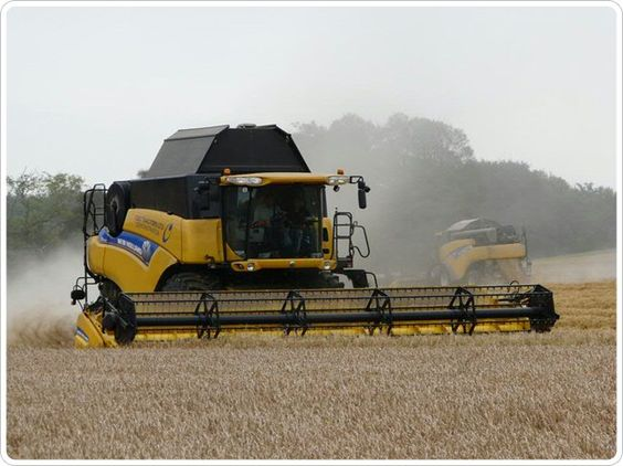New Holland CR8080 Combine Harvester - C&O Tractors - New Holland Dealer, Tractors, Combine and Balers