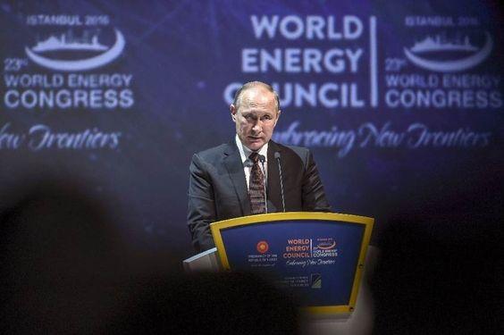 Moscú dispuesto a bajar la producción de petróleo, Riad evoca un barril a USD 60