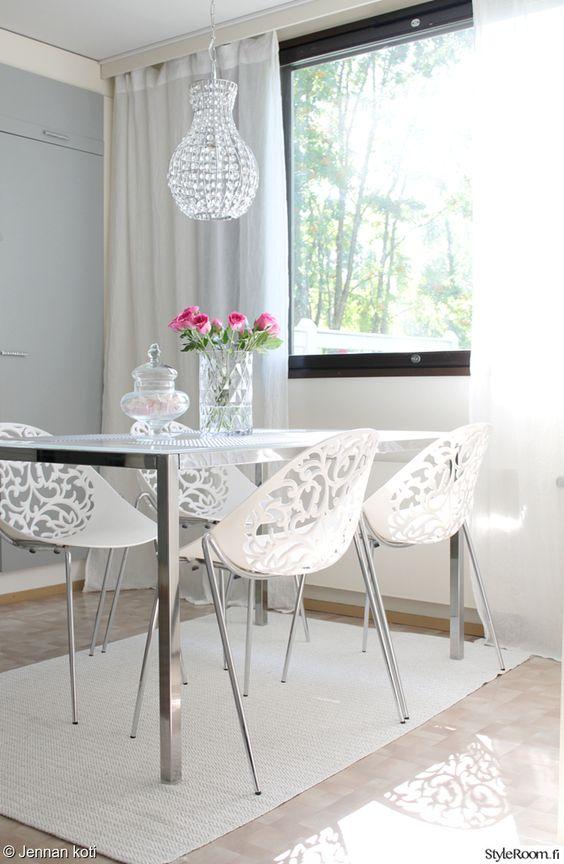 aurora tuoli,riviera maison,hurrikaani,vaasi,valkoinen sisustus,keittiö,tuoli