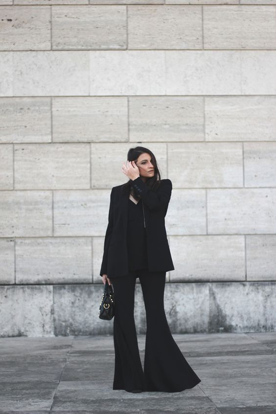 http://www.dressupforarmageddon.com/wp-content/uploads/2016/01/flaviana_boni_extra_flare_1.jpg