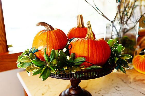 The pioneer the pioneer woman and ree drummond on pinterest for Simple pumpkin centerpieces