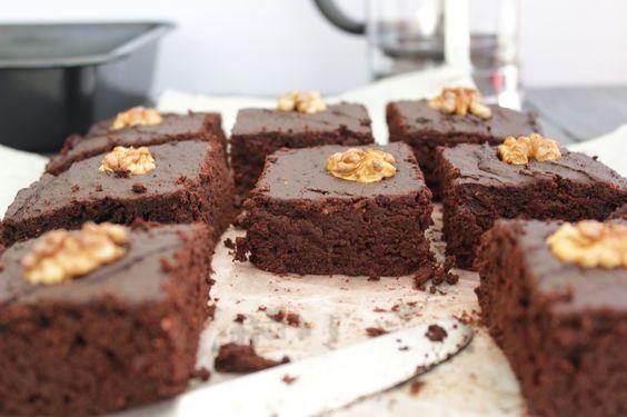 Brownie à la betterave sans beurre et sans sucre