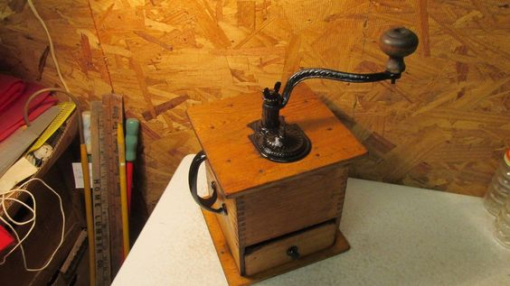Antique Wood Table Top Coffee Grinder Mill Restored https://t.co/Ab9tBbfISC https://t.co/8FZgZqU0aH