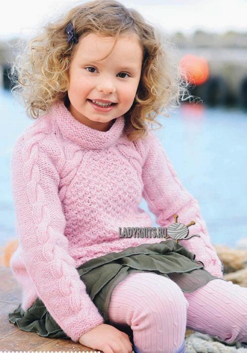 Красивый свитер реглан спицами для девочки от 2 до 12 лет
