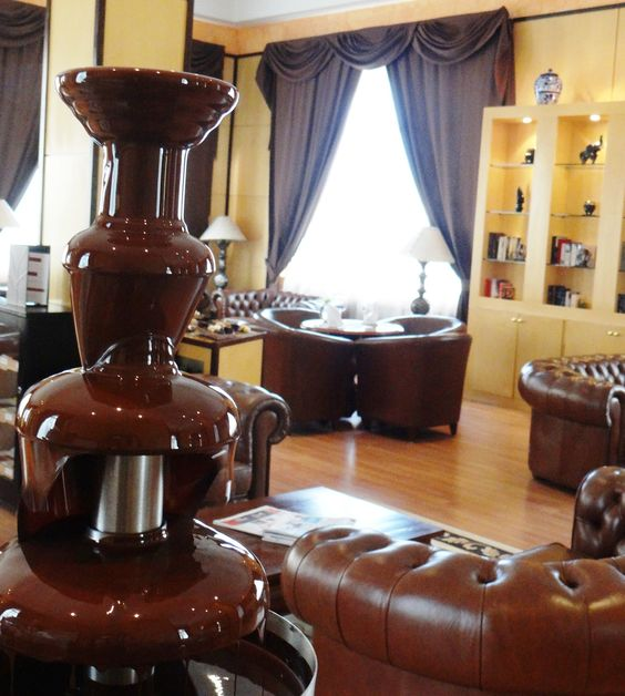 Chocolate tasting at Excellence Riviera Cancun. Every Thursday 4:30pm, Excellence Club lounge!
