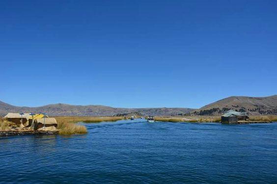Los Uros, lac Titicaca. Puno, Pérou D'Aréquipa à Puno