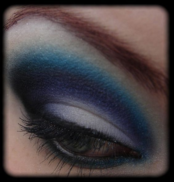 Most Requested: Kylie Minogue inspired Makeup http://www.magi-mania.de/most-requested/