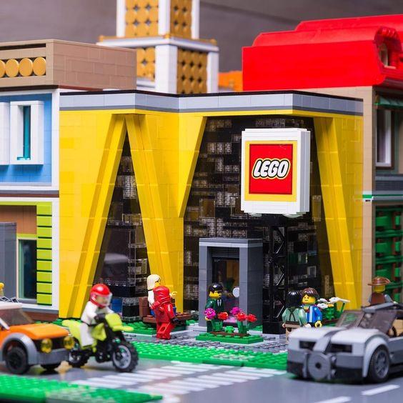 PS city Legostore #lego #legocity #legoworld #legoland #legostore #legomoc…