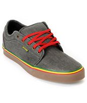 Rasta shoes!! I want these!!