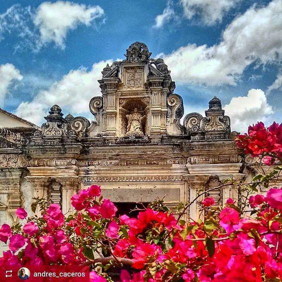 http://OkAntigua.com #Follow @andres_caceros: Colegio Tridentino #Antigua #Guatemala - excellent example of original #baroque #architecture - #ILoveAntigua #AmoAntigua #Travel #AntiguaGuatemala #CentralAmerica