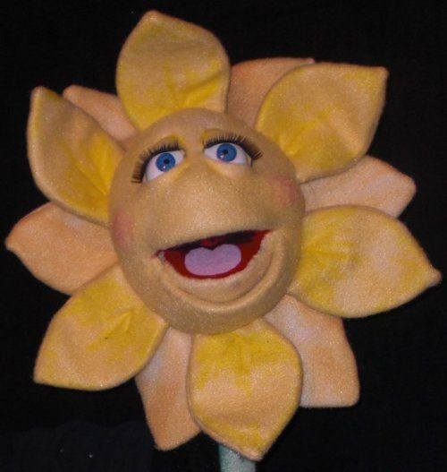 Use Puppets to Tell Stories and Engage Audience.  Fun with Shasta the Daisy Puppet by Jet.  #puppetry #puppetmaker #dolleyes #glasseyesonline