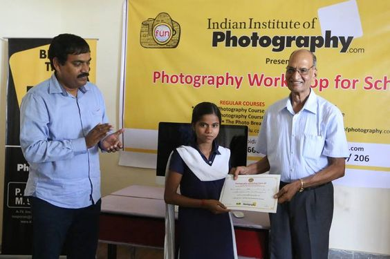 Students of Nai Disha Free Education Society, receiving certificates after completion of the FREE Photography workshop www.iipedu.com/iip_in_news.php