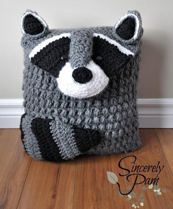 So cute for any kids room!! Ringo Raccoon Pillow Cover/Bag crochet pattern by Sincerely Pam