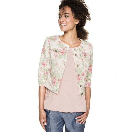 Kurze Jacke mit Rundkragen aus Baumwolle mit Allover-Flowerprint. 3/4 Ärmel und Passform slim. Zwei Klappentaschen, Knopf auf der Brust in Herzhöhe und frontale Knopfverschlussleiste.