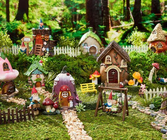 MINIATURE GARDEN GNOMES FOR FAIRY GARDENS CHOICE OF TWO SETS NEW