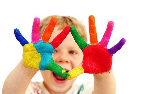 Tinta para crianças! http://www.pracadoartesanato.com.br/passo-a-passo/eu-faco-tinta-para-as-criancas/. Dica da Aisha ;)