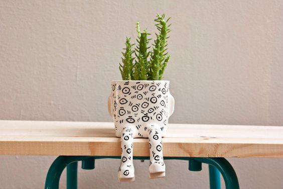 Ceramic pot Ey Sitting  Size S by wacamoleceramic on Etsy, €50.00