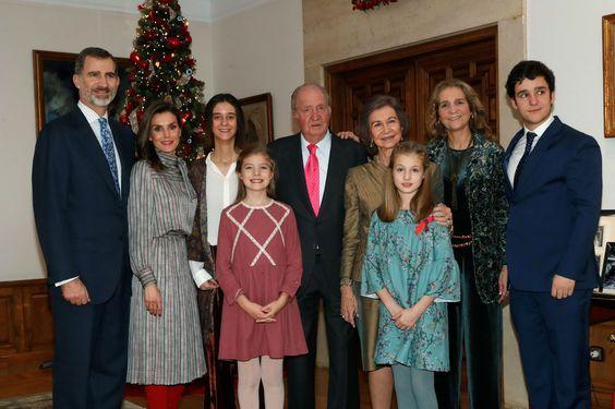 El Rey Juan Carlos celebra sus 80 años con una multitudinaria comida familiar