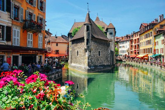 15 Reasons Why You Need To Visit Annecy In The South Of France! - Hand Luggage Only - Travel, Food & Home Blog