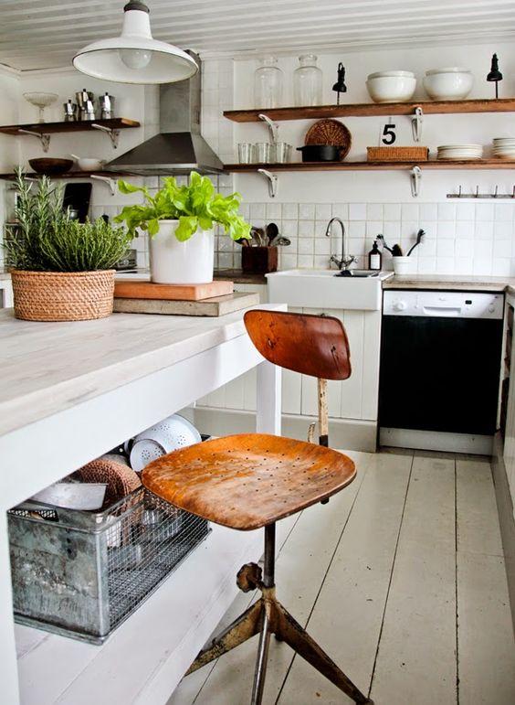 Vintage House: TEMA: KÖK Shabby chic cottage cabin decor   Decor ...