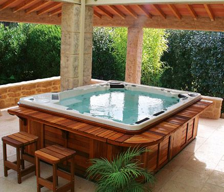 Jacuzzi love the seating area around the jacuzzi the yard pinterest a - Jacuzzi spa exterieur ...