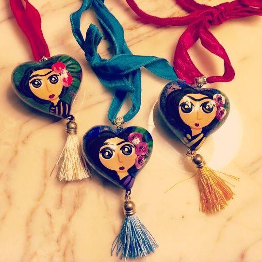 Collares de Frida Kahlo de porcelana pintados a mano y ...