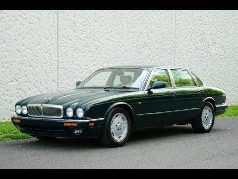 1995 Jaguar Xj6 X300 British Racing Green Jaguarclassiccars Jaguar Xj Jaguar Car Classic Cars