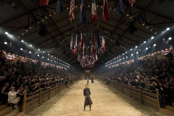 Pin for Later: Die 13 atemberaubendsten Chanel Modenschauen aller Zeiten Von Cowboys und Bullenreiten, Métiers d'Art 2013