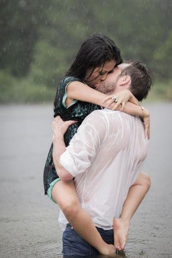 Nosso amor é perfeito nas nossas imperfeições. São nos dias de chuva que descubro o sol que você é aqui dentro.