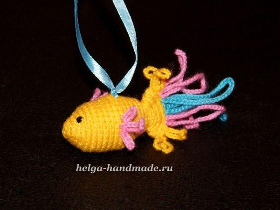 Вязаная погремушка Золотая Рыбка