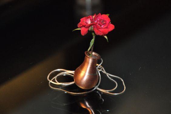 """Vaso """"ÂNFORA"""" em prata e cobre. Coleção Primavera  Marcia Lima."""