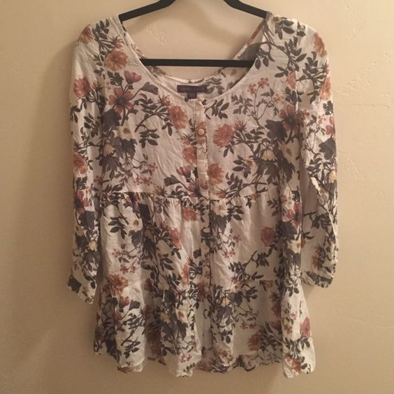 Kendell & Kylie Flower Tunic Kendell and Kylie Flower tunic Kylie Jenner  Tops Tunics