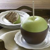 WOAH! This a Caramel Apple Cake