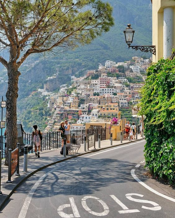 Our favourite 4 wine tours to do along the Amalfi Coast. #amalficoast #italy #winetour