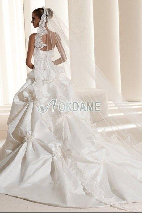Gerüschtes Apfelförmiges ärmellos romantisches Brautkleid für mittel Größe aus Satin