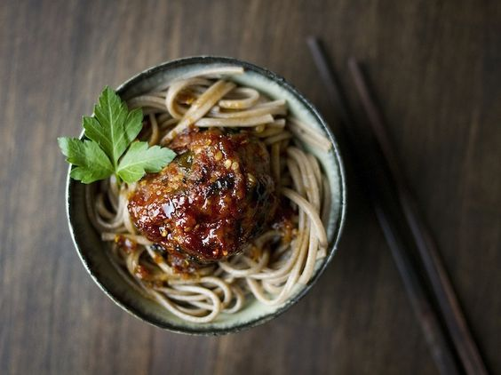 asian pork meatballs + soba noodles: Spaghetti And Meatballs, Inspired Meatballs, Meatballs Noodles, Asian Meatballs, Meatball Noodles, Meatballs Asian, Meatballs Dinner