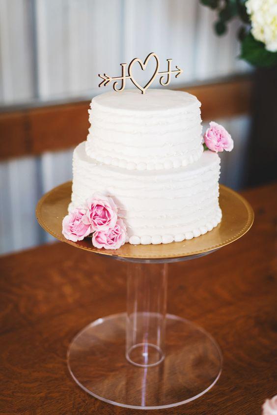 buttercream wedding cake tiered cakes love cupcake photography cake