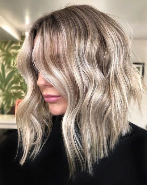 25 Mid Length Blonde Hairstyles To Show Your Stylist Pronto Medium Length Hair Styles Medium Blonde Hair Hair Lengths