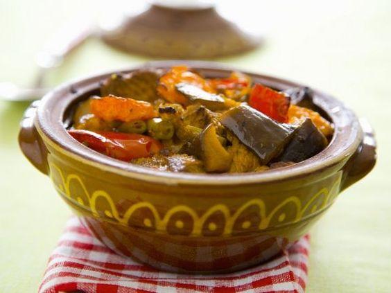 Gemüse auf bulgarische Art ist ein Rezept mit frischen Zutaten aus der Kategorie Eintöpfe. Probieren Sie dieses und weitere Rezepte von EAT SMARTER!
