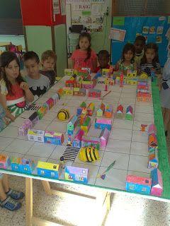 Les Bee-Bots van de botigues a Vedruna Balaguer