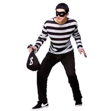 I told you robbers wearing  nikes would become a thing!!