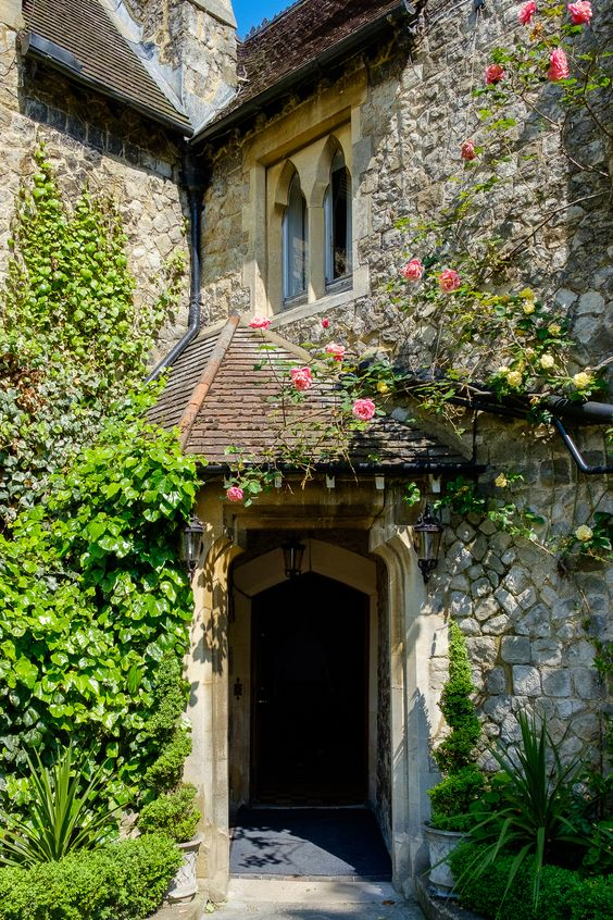 Entrance Photo To Knowle Country House Kent Wedding Venue Photographed By Oakhouse Photography G A R D E N S T Y L Pinterest Houses